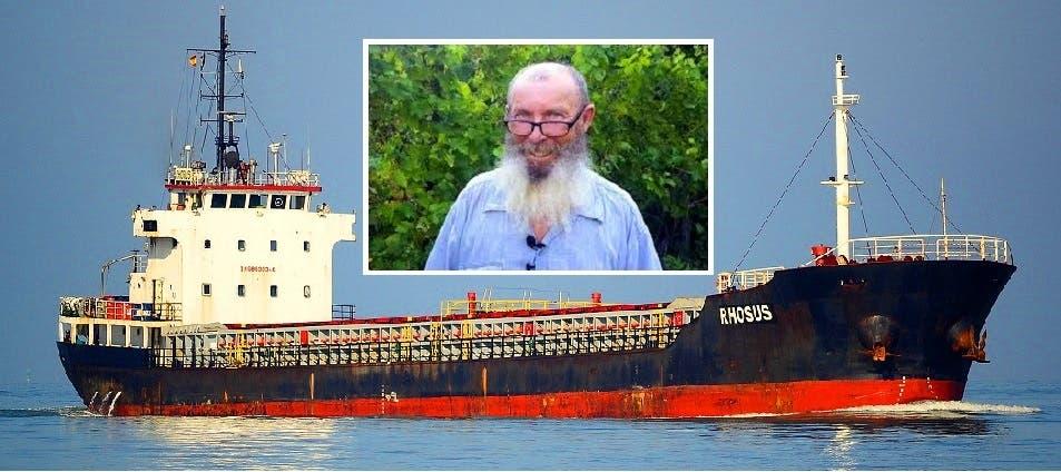 السفينة في 2012 وفي الإطار صورة حديثة لقبطانها، الروسي بوريس بروكوشيف