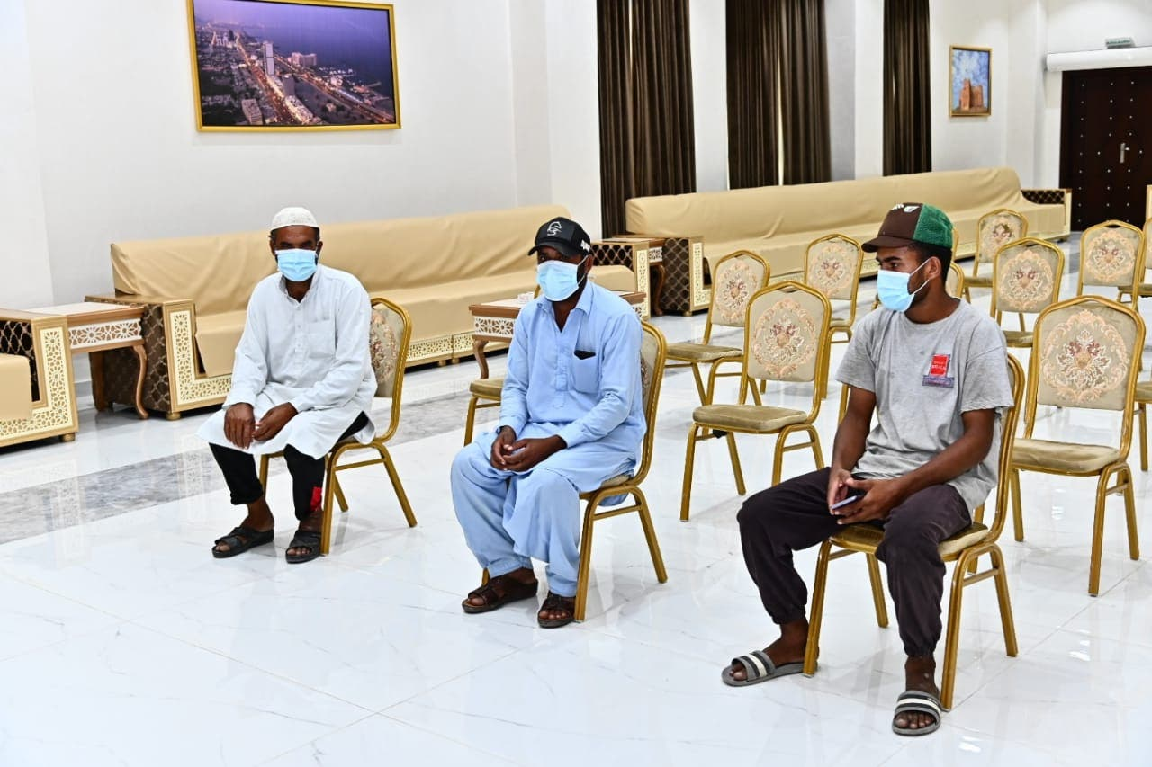 Men wait to be tested for COVID-19 at a testing center in Fujairah, September 3, 2020. (WAM)