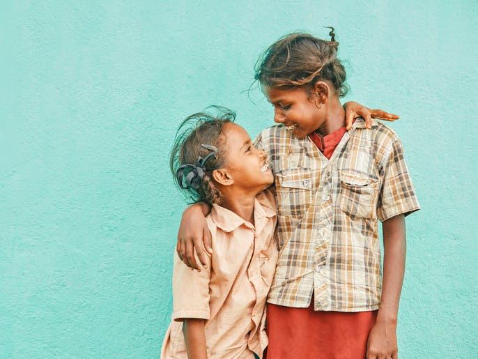 أبناء الفقراء أفضل في فهم عقول الآخرين.. دراسة توضح