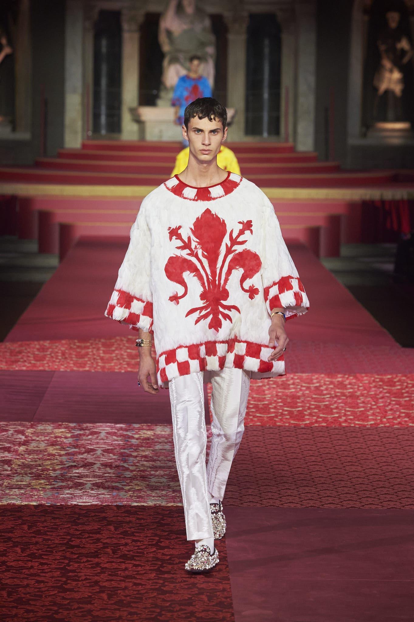 شعار مدينة فلورنسا يزيّن الأزياء الرجالية