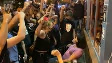 واجهت محتجين غاضبين ورفضت رفع يدها.. امرأة أميركية تروي