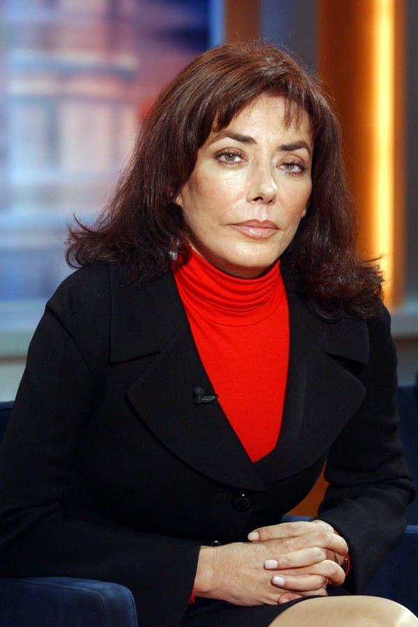 الكاتبة السويسرية كارمن دوفور والدة نور بن لادن
