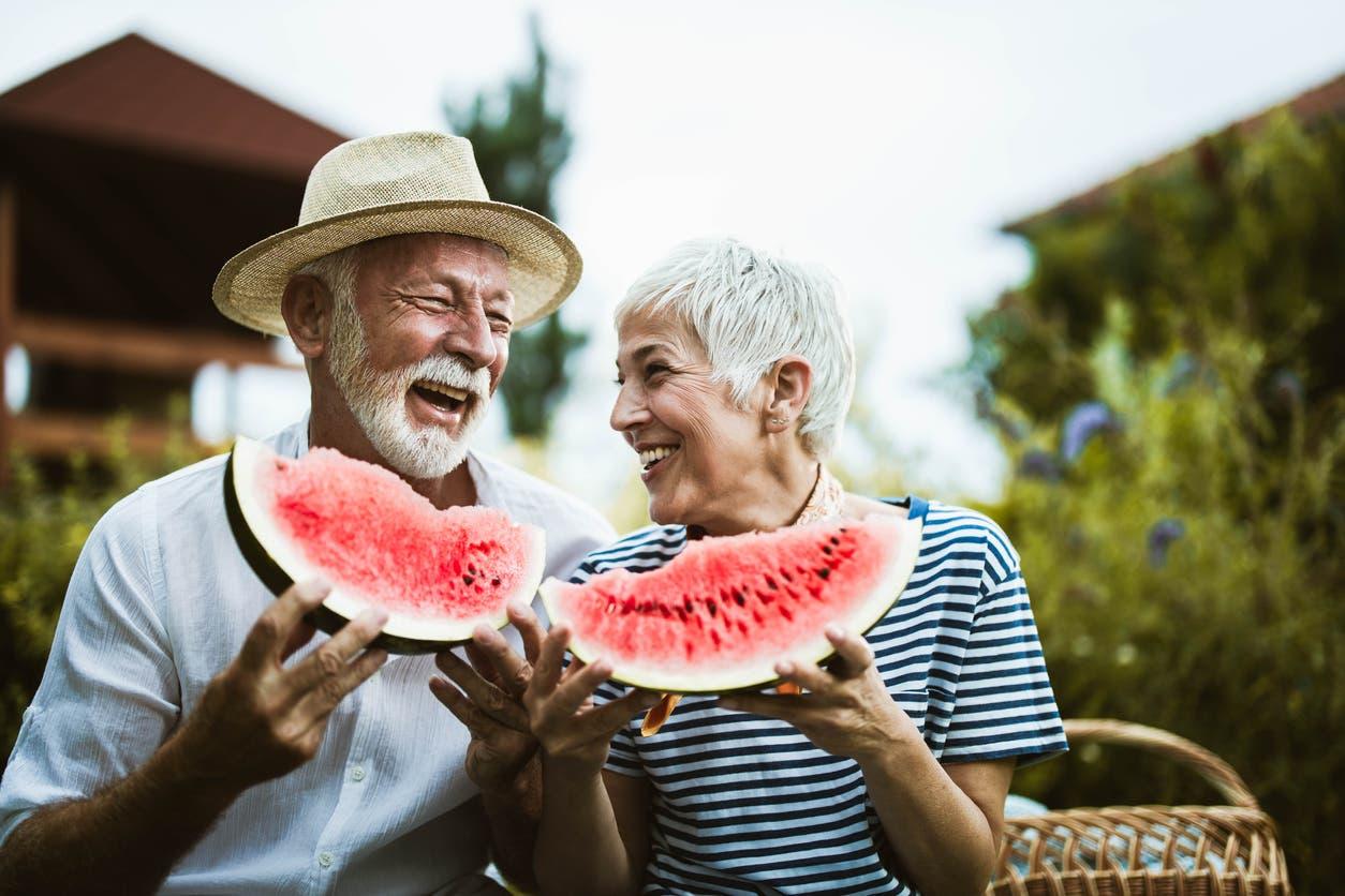 في عمر الـ 70 نصل لقمة السعادة - تعبيرية