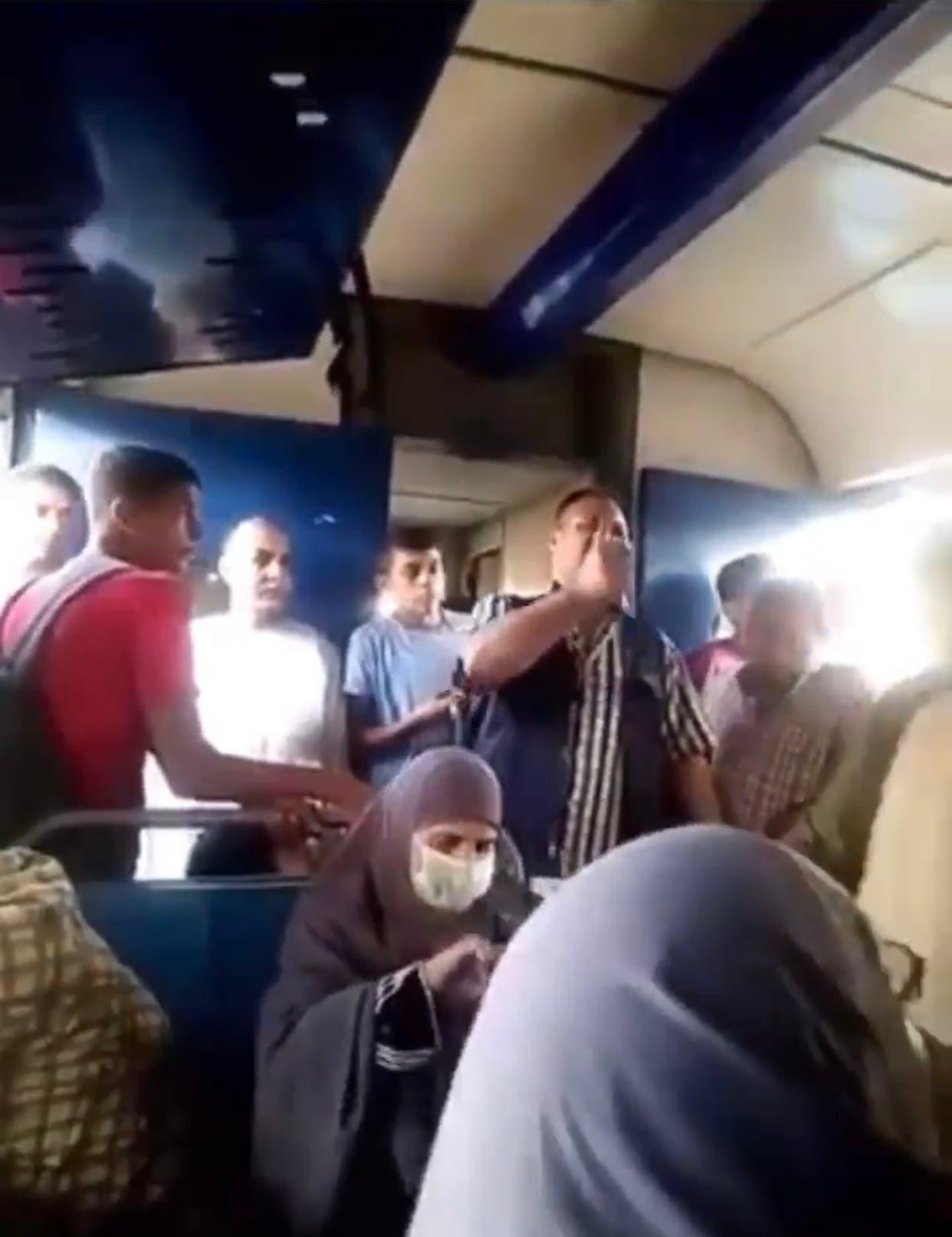 رد فعل الركاب الغاضب على الحادثة