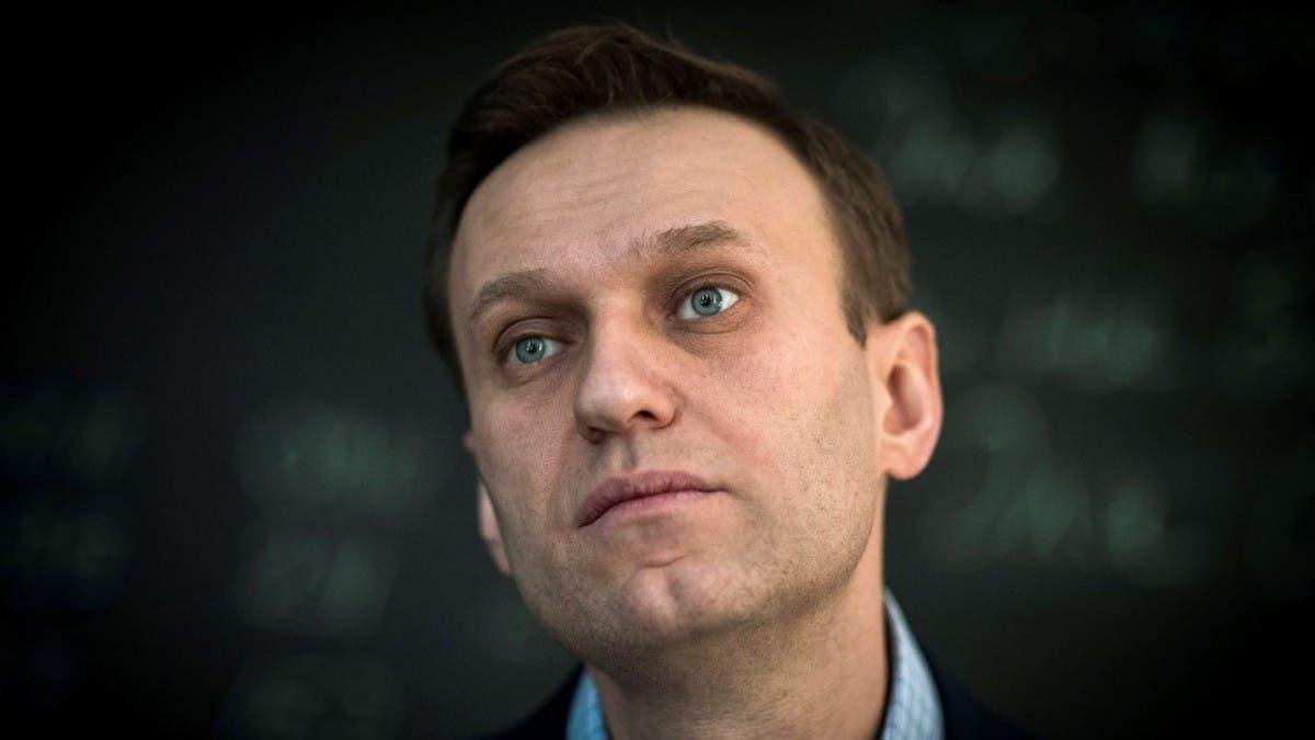 Russia gives Kremlin critic Navalny an ultimatum: Return immediately or face thumbnail