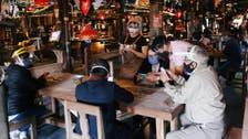 المطاعم بؤر محتملة لكورونا.. ودور أقل أهمية للنقل العام