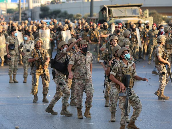 لبنان.. الجيش يطلق النار لتفريق محتجين قرب قصر الرئاسة