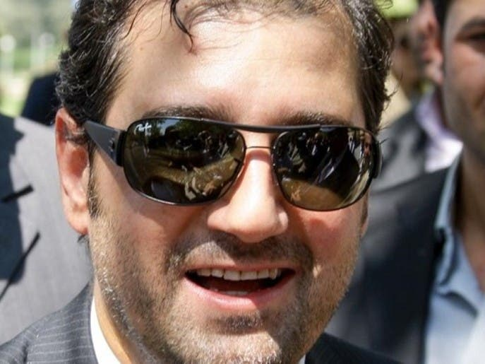 النظام السوري يطلق العشرات من موظفي شركات رامي مخلوف
