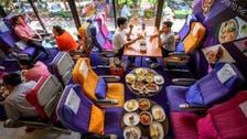 لتعويض الحرمان من السفر.. مطعم على شكل قمرة الطائرة