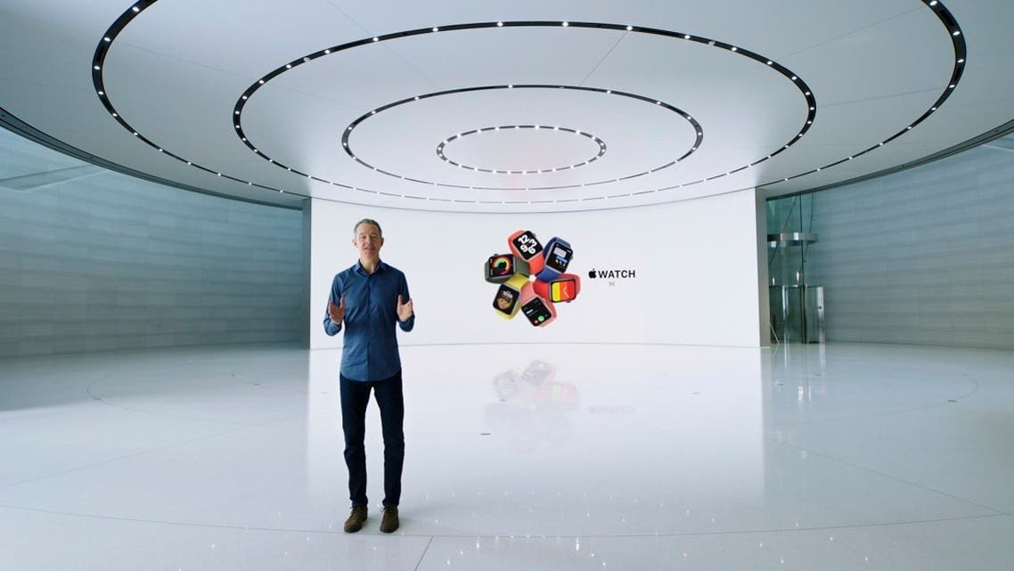 Apple's Chief Operating Officer Jeff Williams unveils Apple Watch Series 6 and Apple Watch SE during a special event at Apple Park in Cupertino, California, on September 15, 2020. (AFP)