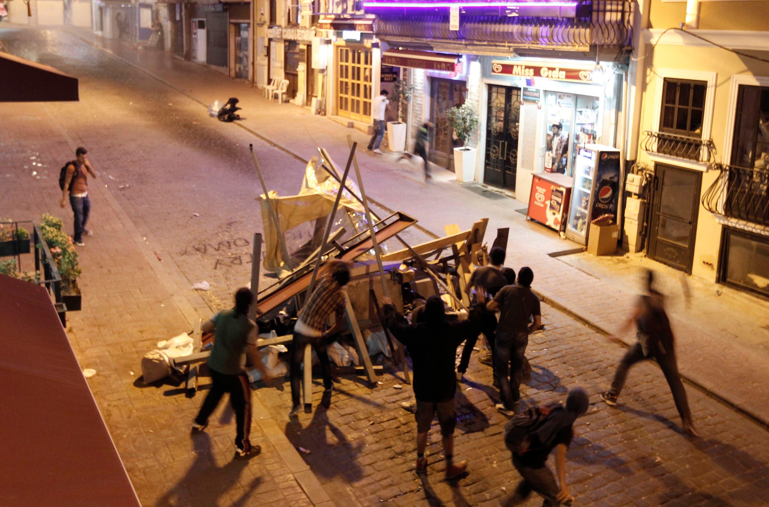 من الاحتجاجات على تحويل حديقة غيزي الى مركز تجاري عام 2014
