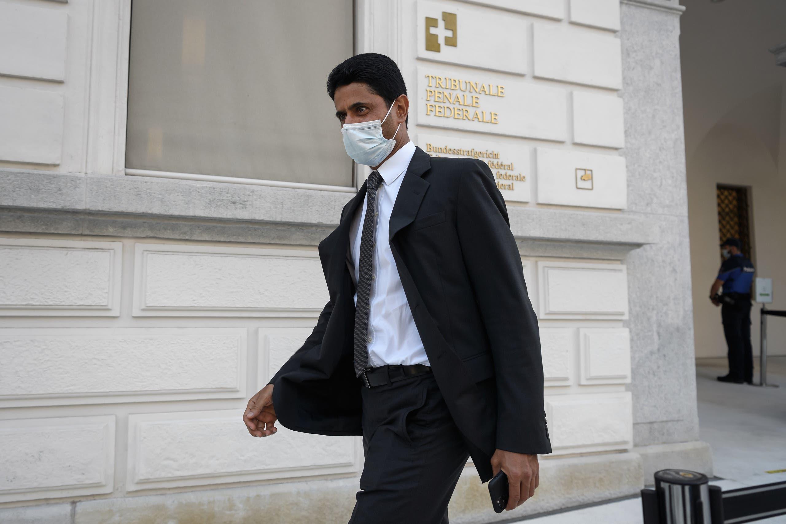 ناصر الخليفي متوجها إلى المحكمة السويسرية
