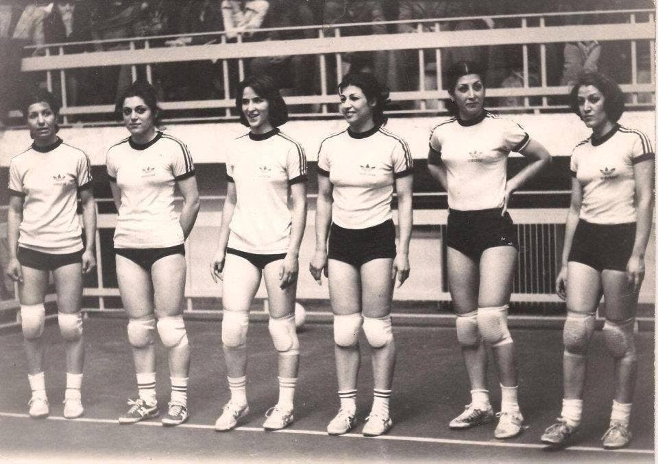 Foruzan Abdi (third from the left) was the captain of Iran's women's national volleyball team. (Facebook)