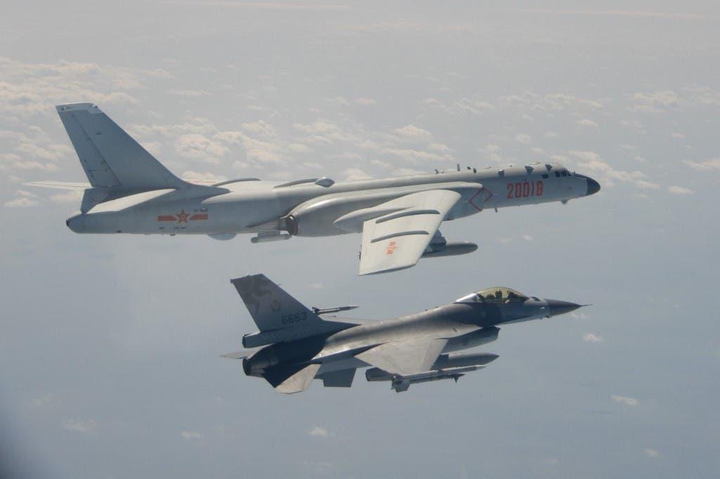 طائرة تايوانية من طراز إف-16