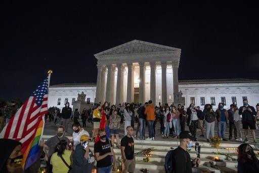 أمام المحكمة العليا