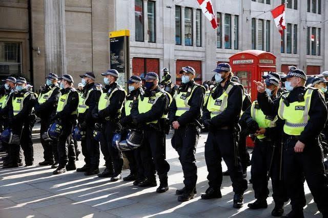 مظاهرات ضد الإغلاق في بريطانيا - يوم أمس ( رويترز)
