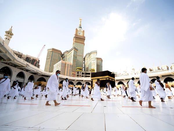 وزير الحج السعودي يكشف تفاصيل عودة العمرة تدريجيا