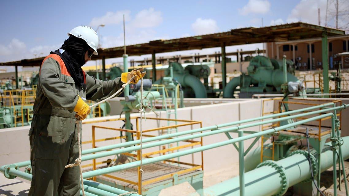 حقل نفط ليبيا مناسبة