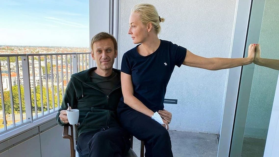 This handout picture posted on September 21, 2020 on the Instagram account of @navalny shows Russian opposition leader Alexei Navalny and his wife Yulia Navalnaya in Berlin's Charite hospital. (Instagram account @navalny/AFP)