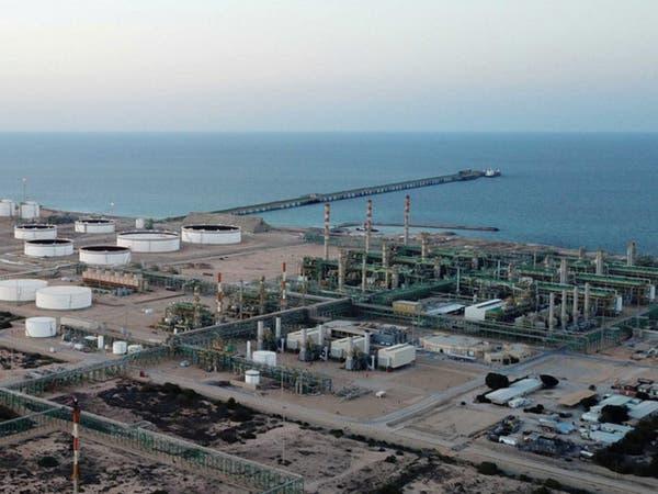 مصدران: الناقلة دلتا هيلاس تحمل النفط في مرفأ الحريقة اللليبي