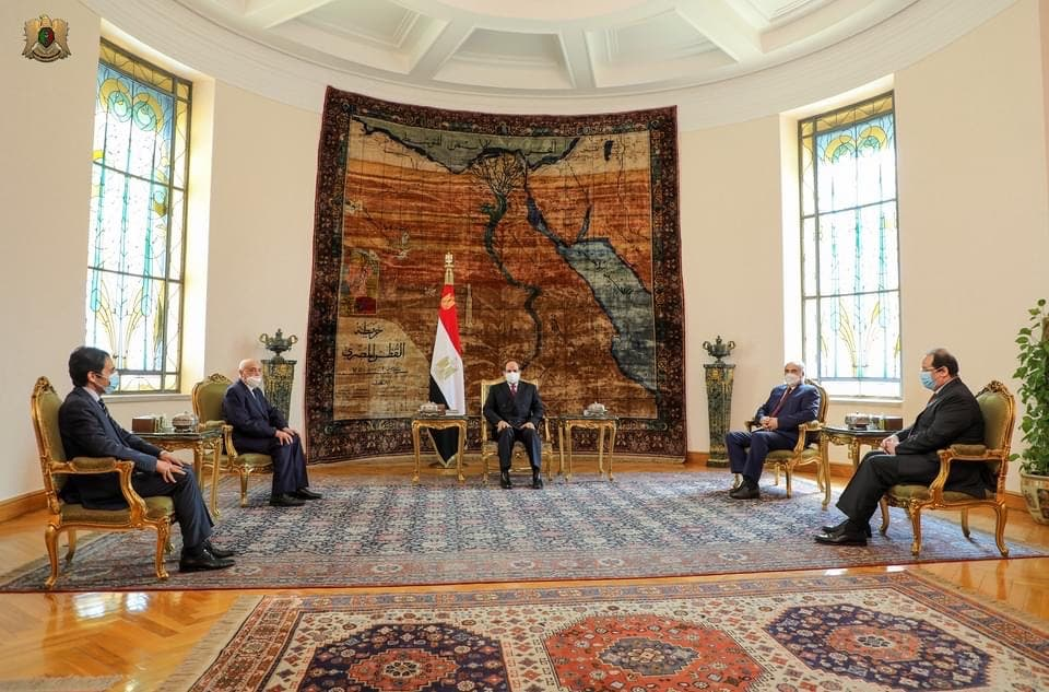 السيسي خلال لقائه عقيلة صالح وحفتر في القاهرة