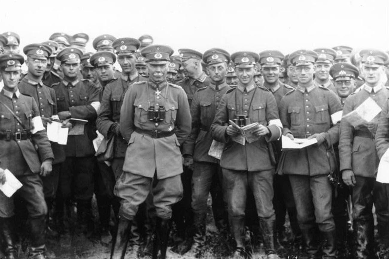 صورة لعدد من العسكريين الألمان