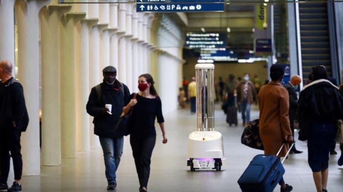 London: How Reborts fights aganist Coronavirus in Public Places