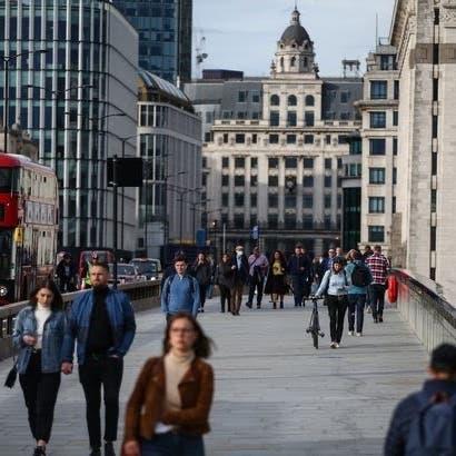 بريطانيا تلغي العزل للمخالطين.. ومفاجأة من عالم شهير!