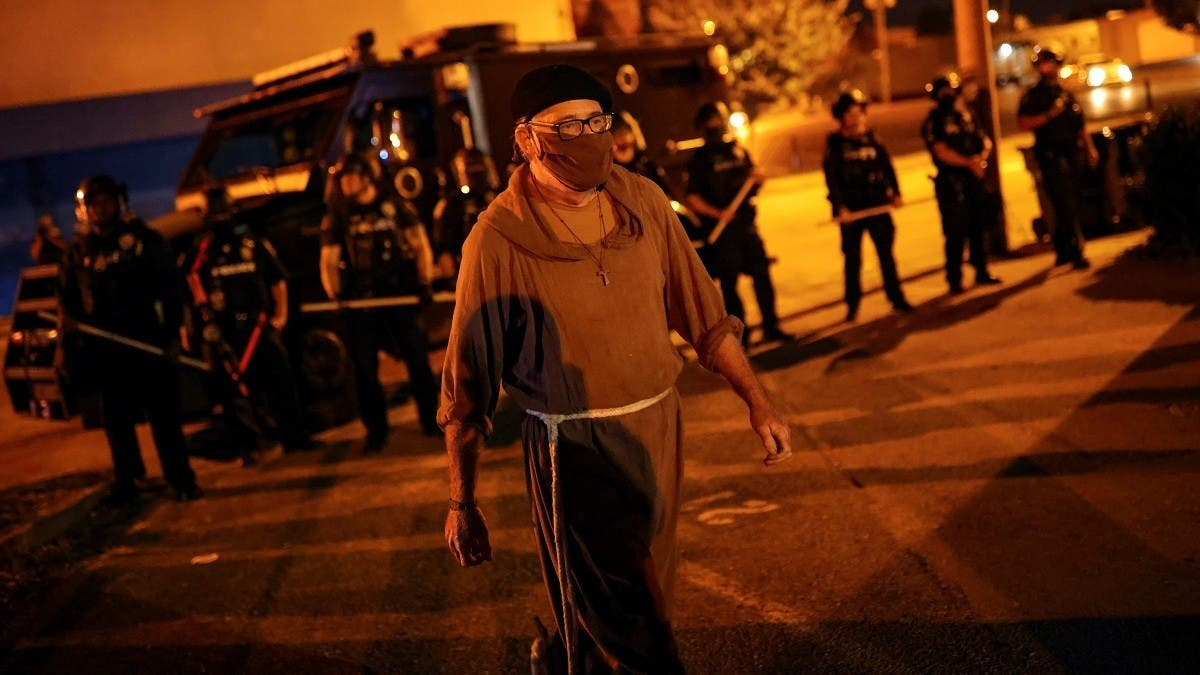US violence: Louisville erupts in second night of protests despite curfew thumbnail