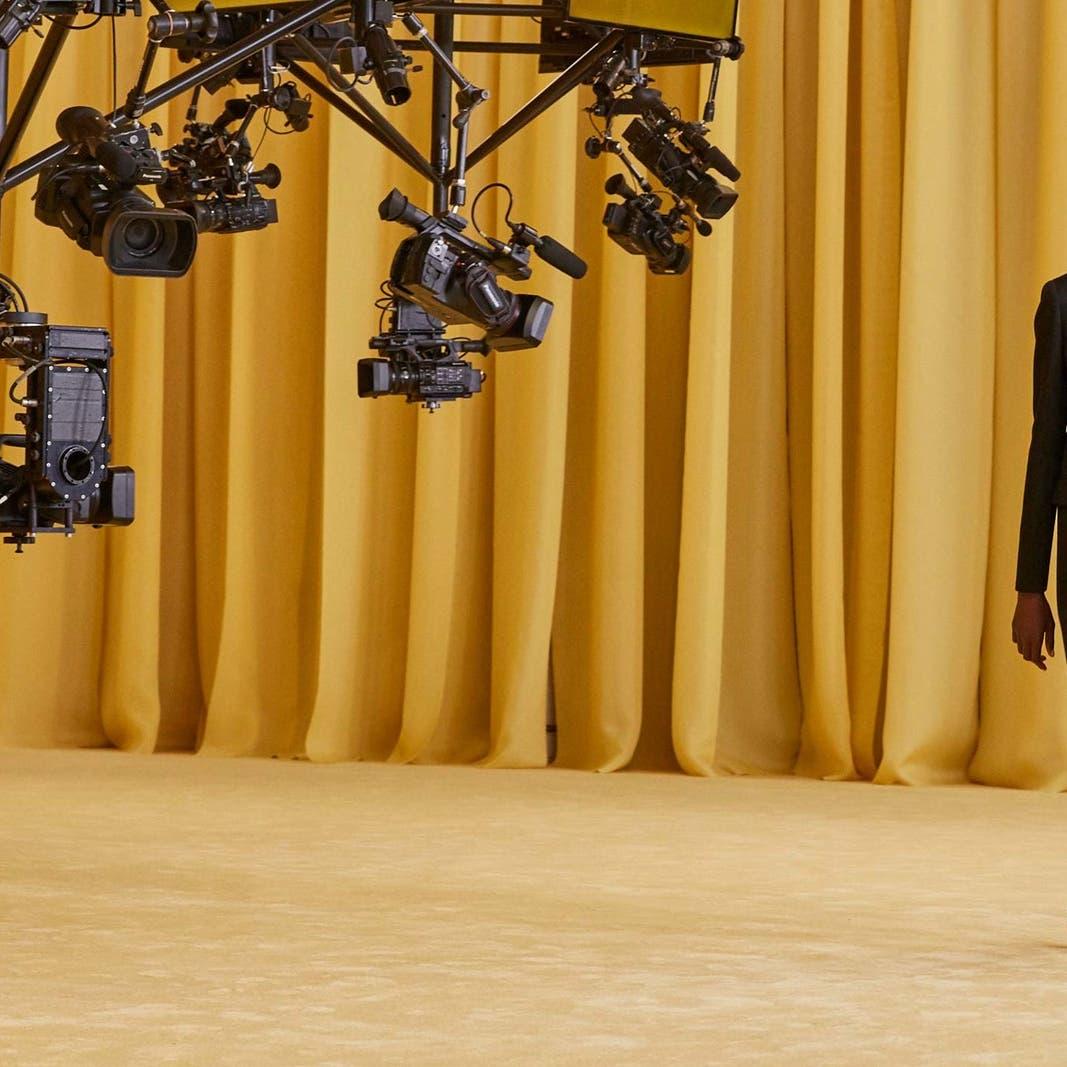 """عيون الكاميرات حلّت مكان الحضور في عرض """"برادا"""" المنتظر"""