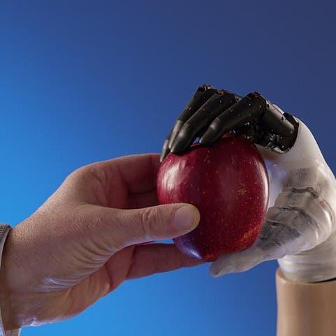 يد اصطناعية تستعيد 90% من وظائف الأطراف المبتورة