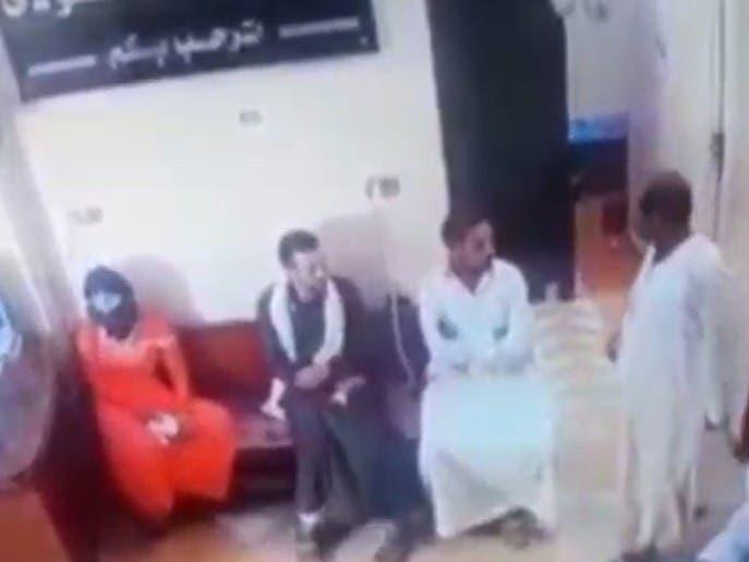 فيديو أوجع المصريين.. ذهب لعلاج زوجته عند الطبيب فسقط ميتاً