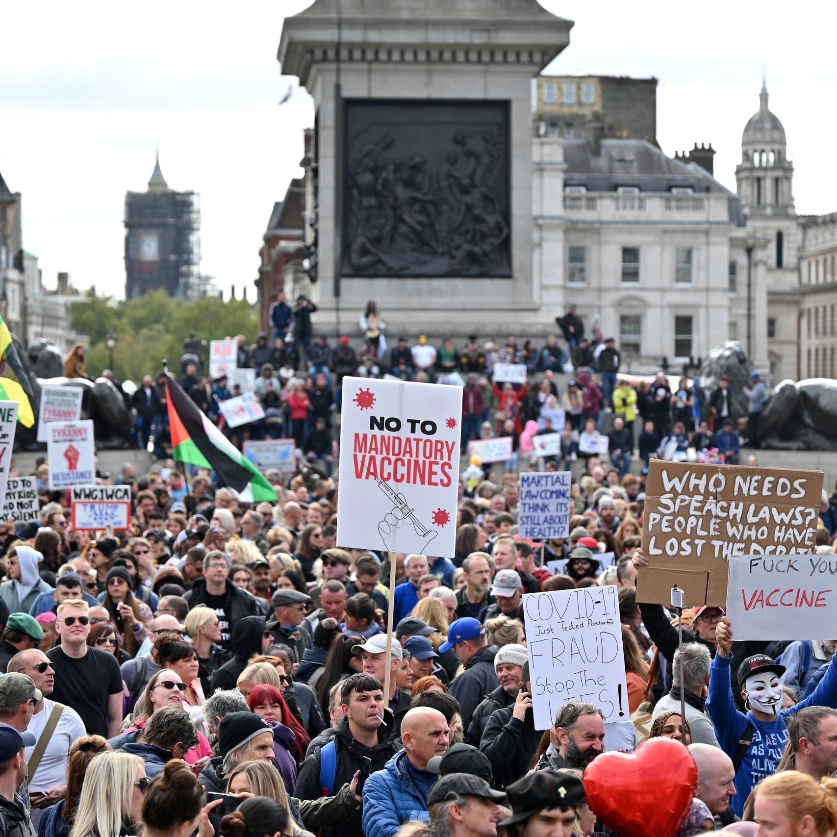 الآلاف يحتجون على قيود كوفيد-19 في وسط لندن