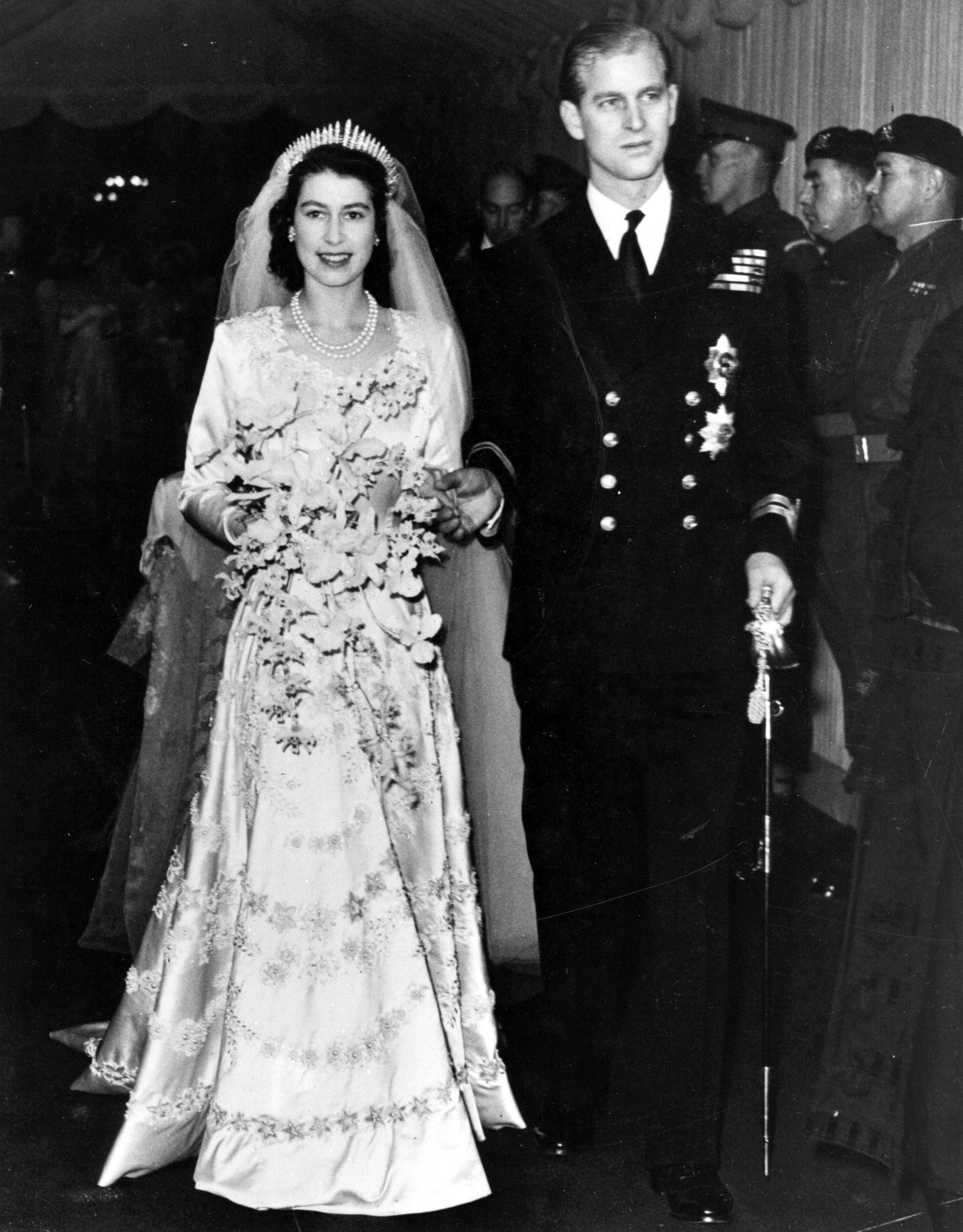ملكة بريطانيا يوم زفافها في العام 1947