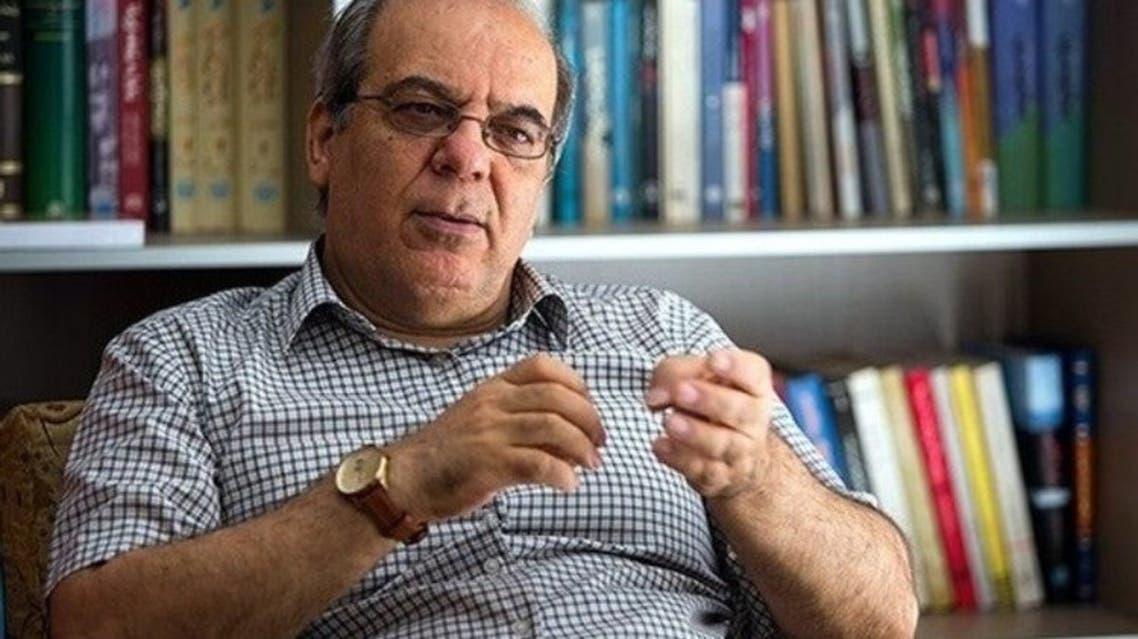 عباس عبدی: رئیسجمهور کنارهگیری کند