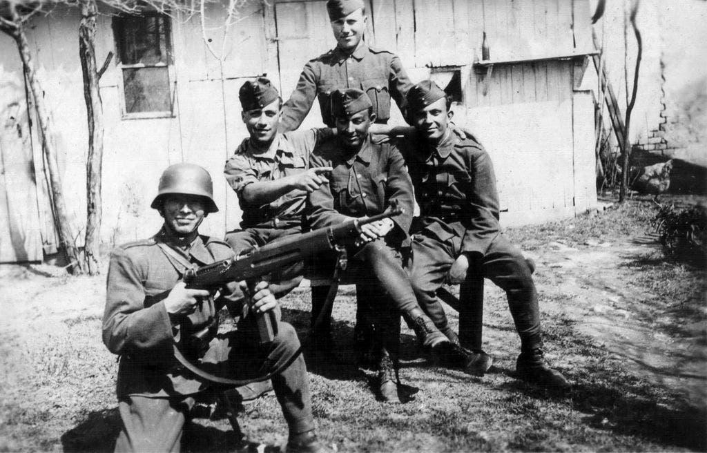 جنود مجريون شاركوا بالحرب العالمية الثانية