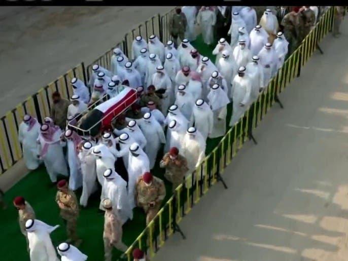 جثمان الشيخ صباح يوارى الثرى في مقبرة الصليبيخات