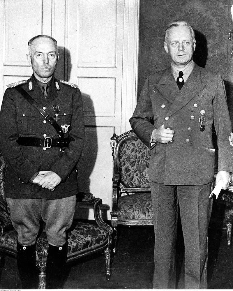 صورة لأنتونيسكو رفقة وزير خارجية ألمانيا ريبنتروب