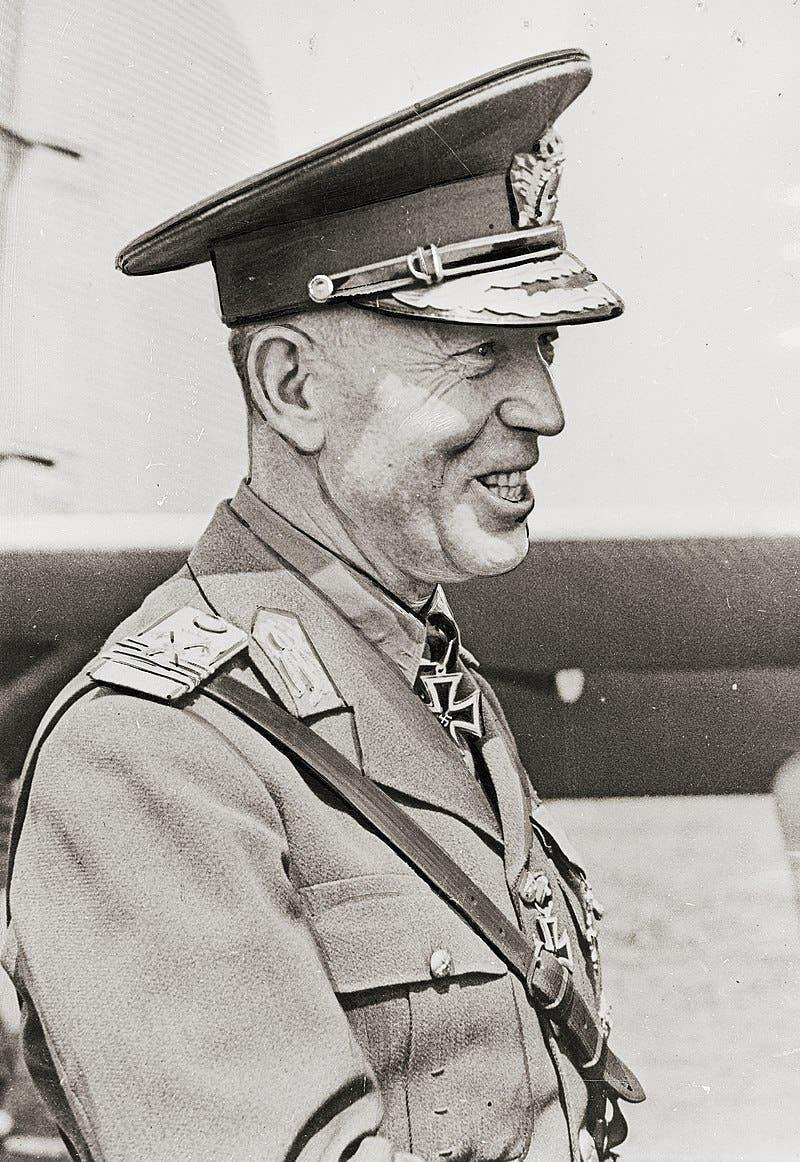صورة لرئيس وزراء رومانيا أنتونيسكو