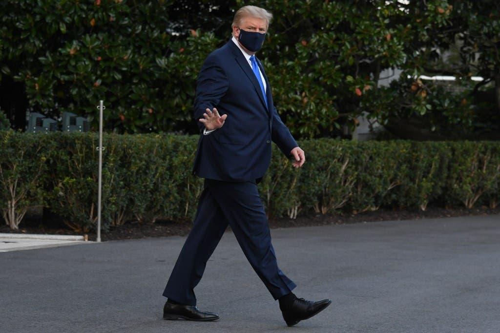 دونالد ترمب يغادر البيت الأبيض في طريقه لمستشفى والتر ريد العسكري في 2 أكتوبر 2020