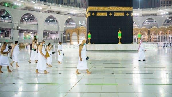بالصور.. وصول أول وفود المعتمرين إلى المسجد الحرام