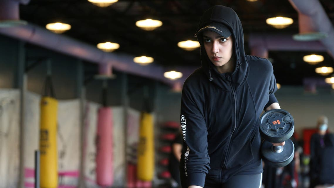 A Saudi woman, Fayrouz Al-Omari, works out at a gym, amid the spread of the coronavirus disease (COVID-19), in Riyadh, Saudi Arabia September 24, 2020. Picture taken September 24, 2020. (Reuters)