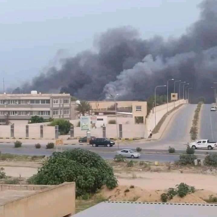 فيديو.. انفجار مخزن ذخيرة إحدى ميليشيات الوفاق يهزّ طرابلس