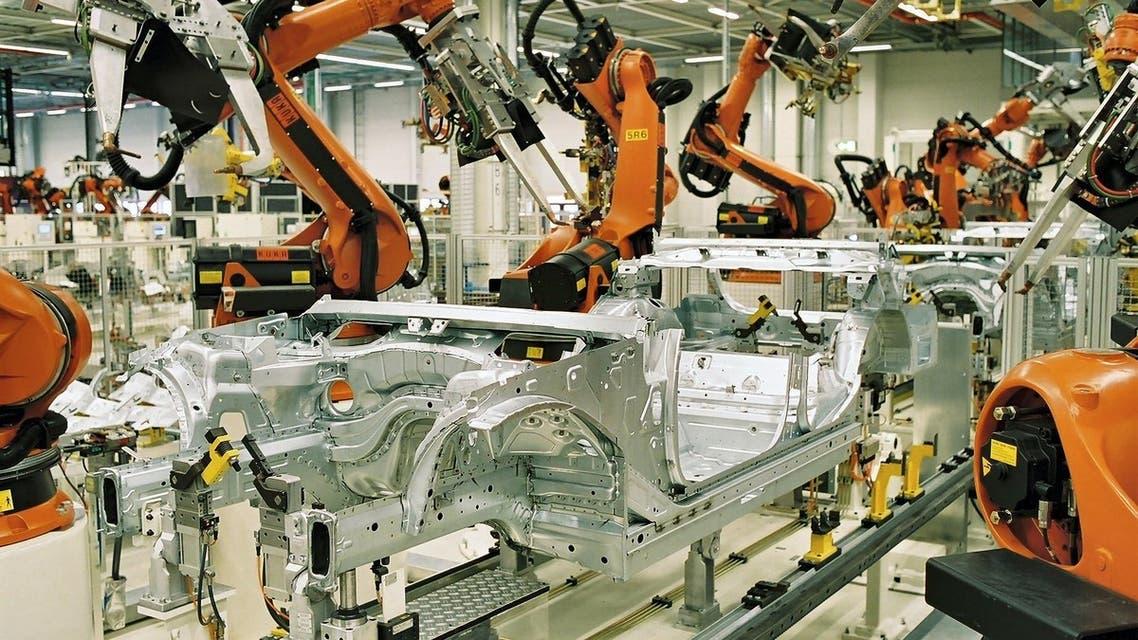 مصنع سيارات مناسبة