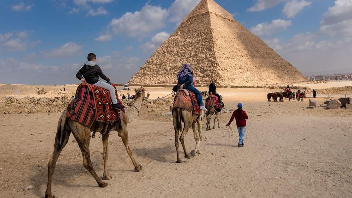 الأهرامات مصر سياحة اقتصاد مناسبة
