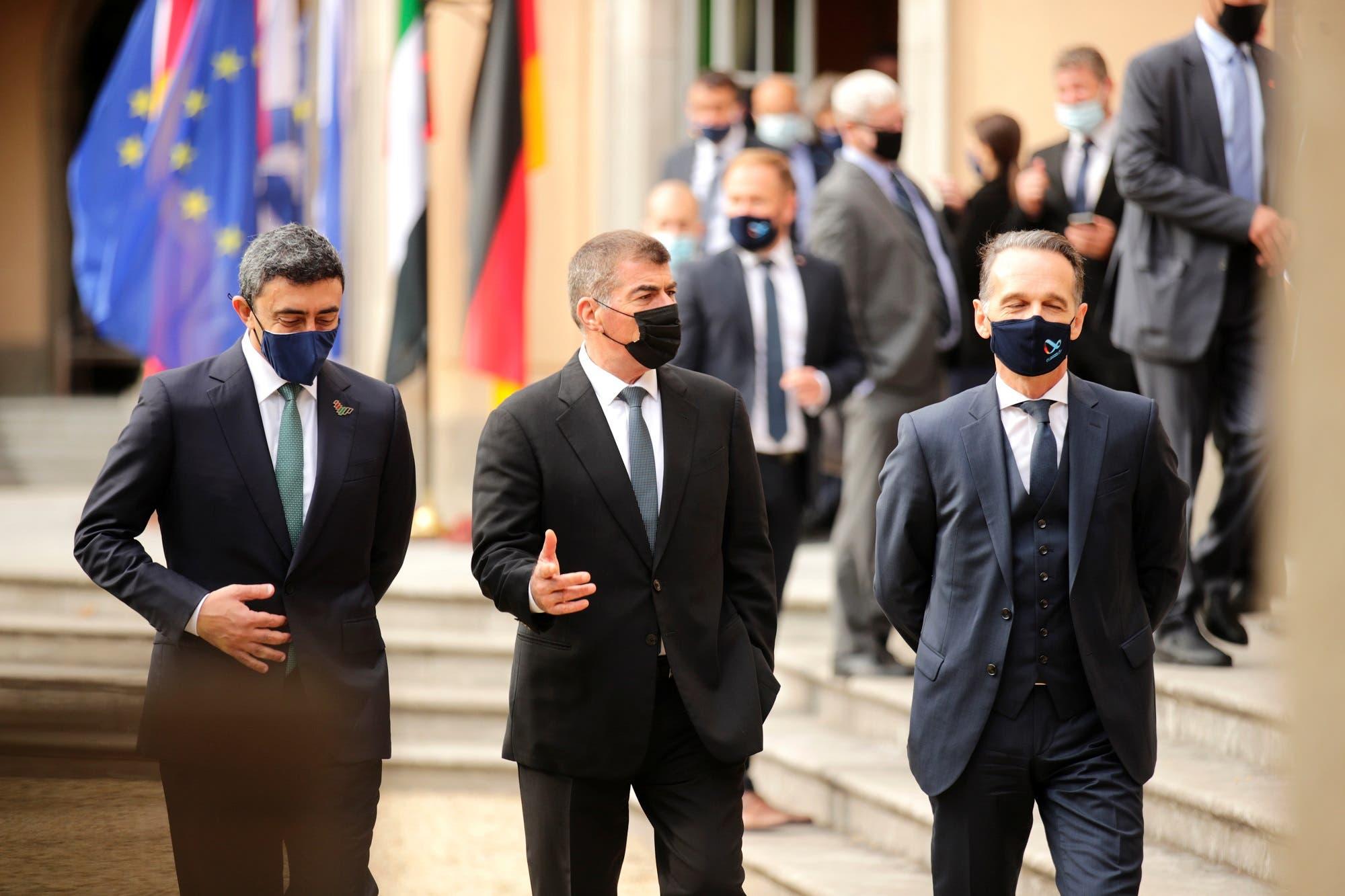 هيكو ماس وغابي أشكنازي وعبدالله بن زايد آل نهيان في برلين الثلاثاء