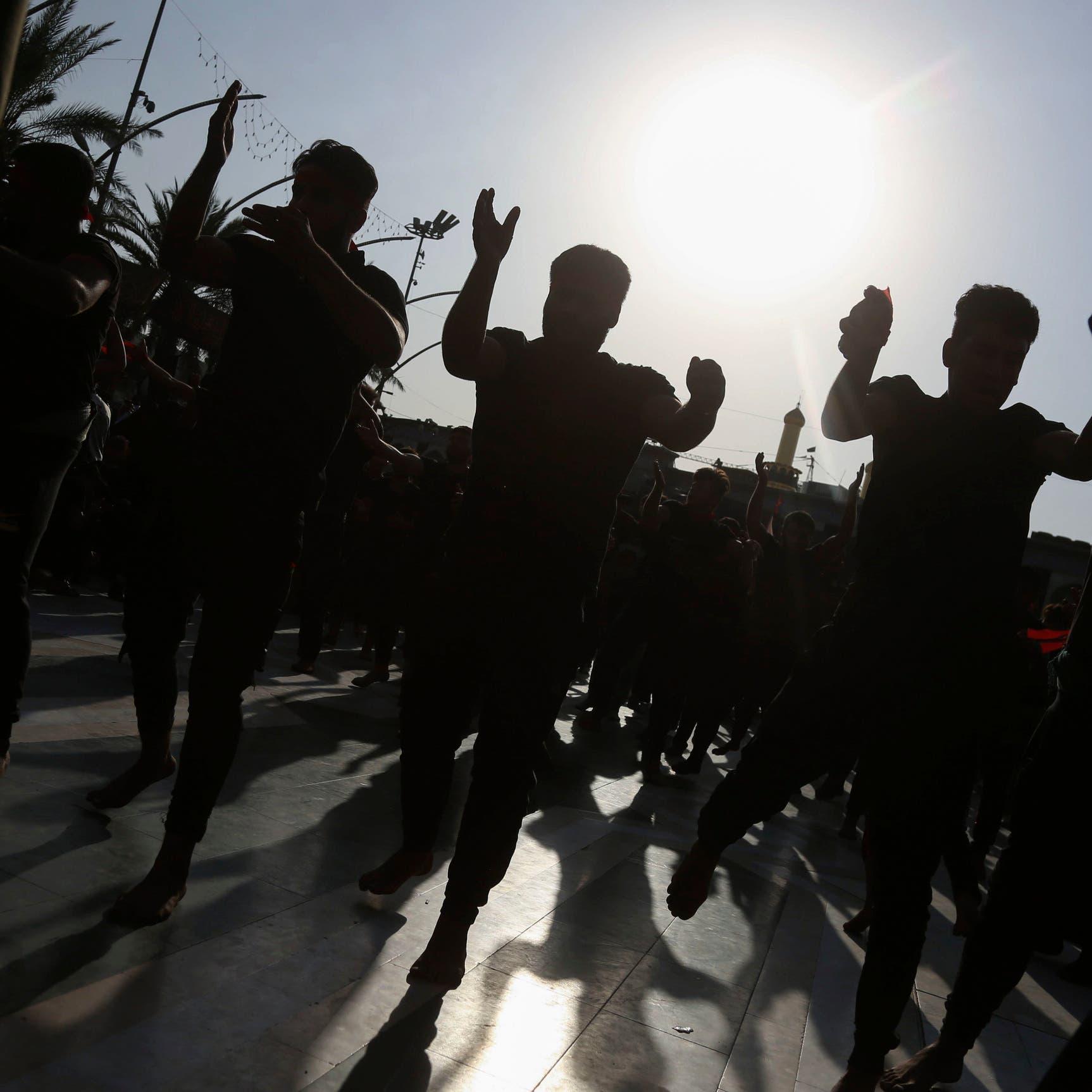 احتجاجات في كربلاء.. هتافات ضد إيران واشتباك مع الأمن