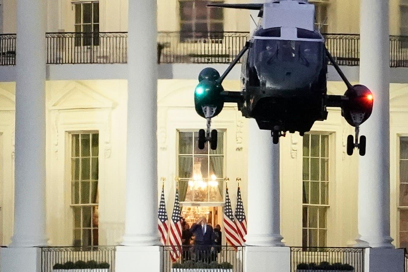 ترمب عائدا إلى البيت الأبيض من المستشفى العسكري