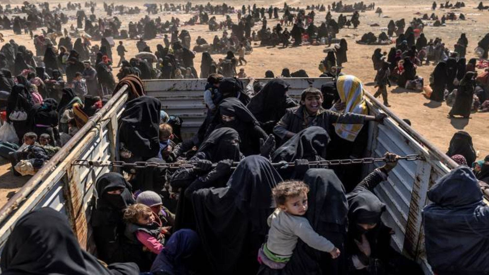 من عائلات داعش بالهول