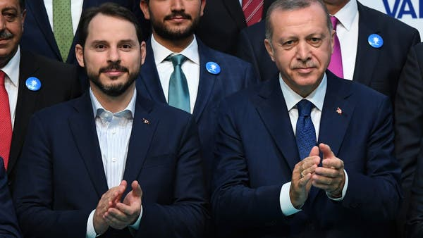 داوود أوغلو لأردوغان وصهره: أنتم مصيبة على هذا الشعب